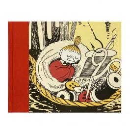 Muistikirja - Pikku Myy nukkuu ompelukorissa