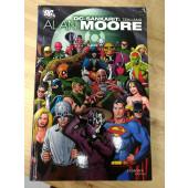 DC-sankarit: Tekijänä Alan Moore (K)